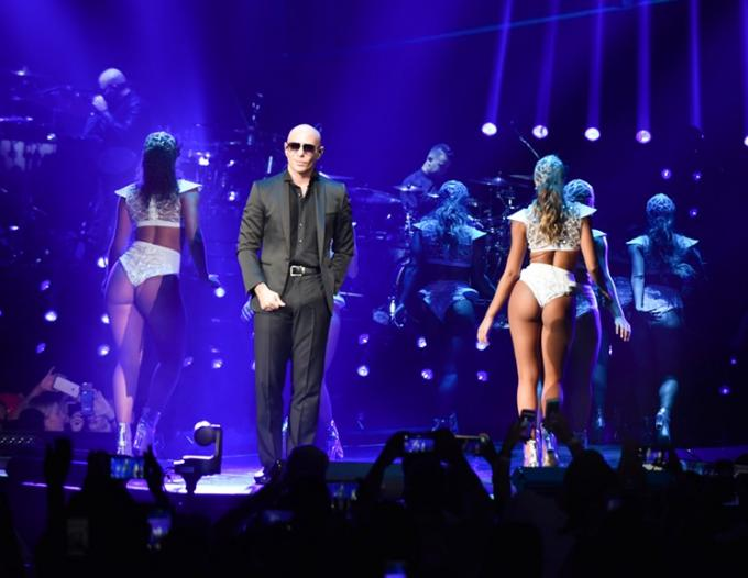 Pitbull at Walmart Arkansas Music Pavilion